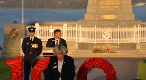 Kings Park wreath laying honours nurses | A look back at Anzac Day 2015